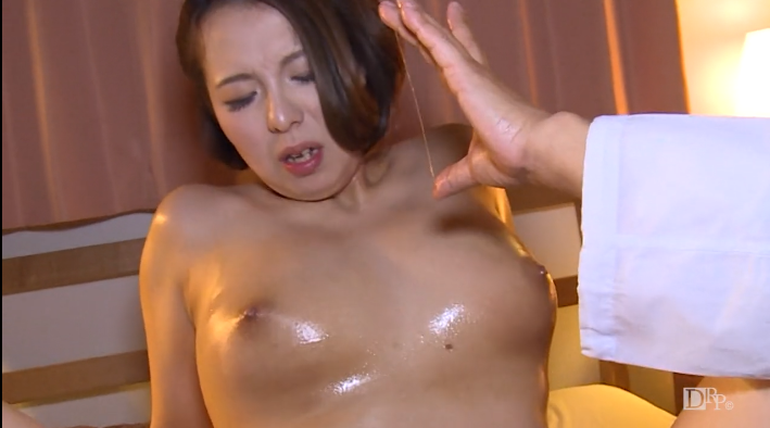 Free JAV erotic video of PacoPacoMama No.6 Busty wife explodes her desire in membership esthetic