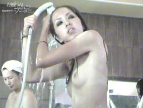 風呂盗撮動画が欲しいならお風呂の中のプニョ,若い女の子も熟女も