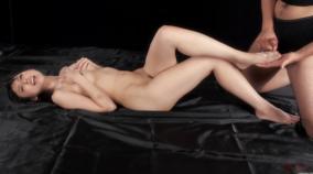 9人の女性の美しい足コキ無修正動画が無料で見れる‼ 足フェチ必見