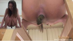 うんこたれ無料動画⑥ 24歳美人のパイパン娘 狩野祐子さんのウンチ姿