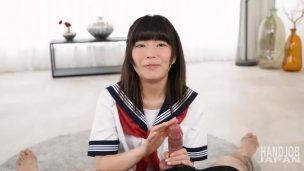セーラー服の涼宮あいかの無修正エロ動画付!手コキニッポンを解説